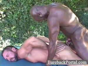Negro comendo o cu do sarado